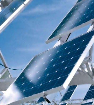 Impianto fotovoltaico con orientatore