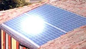 Impianto fotovoltaico integrato su tetto a falda