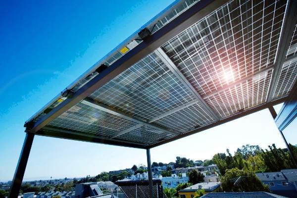 pensilina fotovoltaica come tettoia