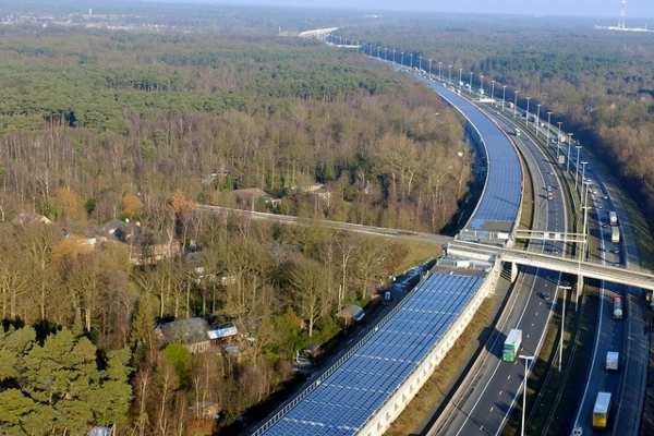 tratta fotovoltaica treno parigi amsterdam