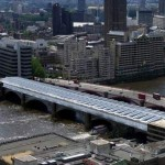 Ponte fotovoltaico a Londra, esempio di riqualificazione sostenibile
