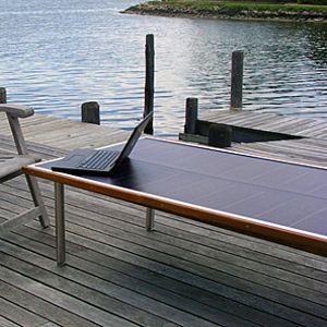 tavolo fotovoltaico da giardino