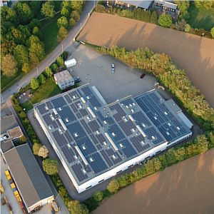 impianto fotovoltaico visuale aerea