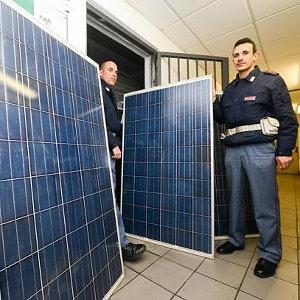 pannelli fotovoltaici sequestrati